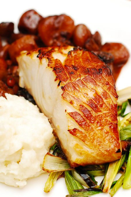 Best way to prepare black cod: Black cod with balsamic-shallot sauce and mashed potatoes | JuliasAlbum.com | #seafood #fish recipes