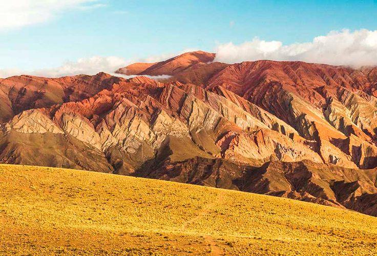 Quebrada de Humahuaca, Patrimonio Natural y Cultural de la Humanidad. En el pintoresco pueblo de Purmamarca con su belleza natural que presenta el Cerro de los Siete Colores … #QuebradaDeHumahuaca, #Purmamarca, #CerroDeLosSieteColores