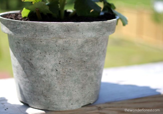 Faux Stone Painted Plastic Flower Pot Tutorial // Recycle Your Flower Pots! | Wonder Forest: Style, Design, Life.