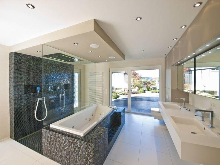 Modernes bad mit eckbadewanne und dusche  Die 25+ besten Begehbare badewanne Ideen auf Pinterest | Duschen ...