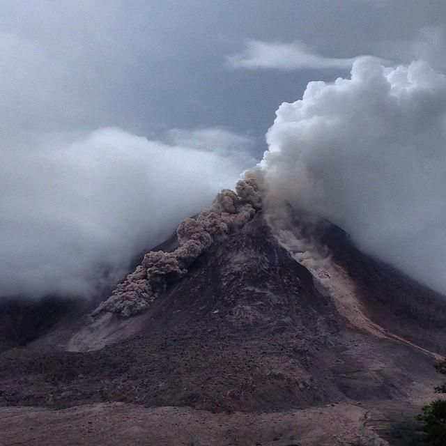 Pyroclastic flows on Sinabung both sides of Lava Tongue; 2014