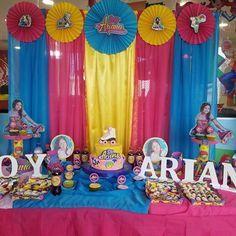 Hoy fuimos parte de la decoración de la fiesta de #SoyAriana con nuestro fondo de cortinas, rosetones personalizados, letras de madera, portabocaditos de #SoyLuna + bocaditos de dulce. Gracias a sus papitos por la confianza! #FiestaSoyLuna #DecoracionSoyLuna #DecoracionDeFiestas #DecoraciónSoyLuna