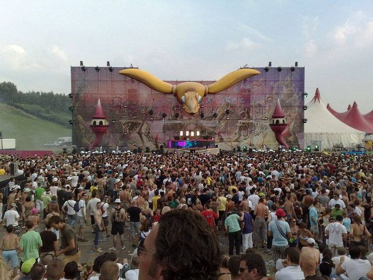 #‎Tomorrowland‬ is the largest annual electronic ‪#‎music‬ festival held in the world, taking place in ‪#‎Belgium‬. It used to be organized as a joint venture by the original founders together with ID&T. The #festival takes place in the town of Boom, 16 kilometers south of Antwerp, 32 kilometers north of Brussels, and has been organized since 2005. Tomorrowland has since become one of the ‪#‎mostnotableglobalmusicfestivals‬