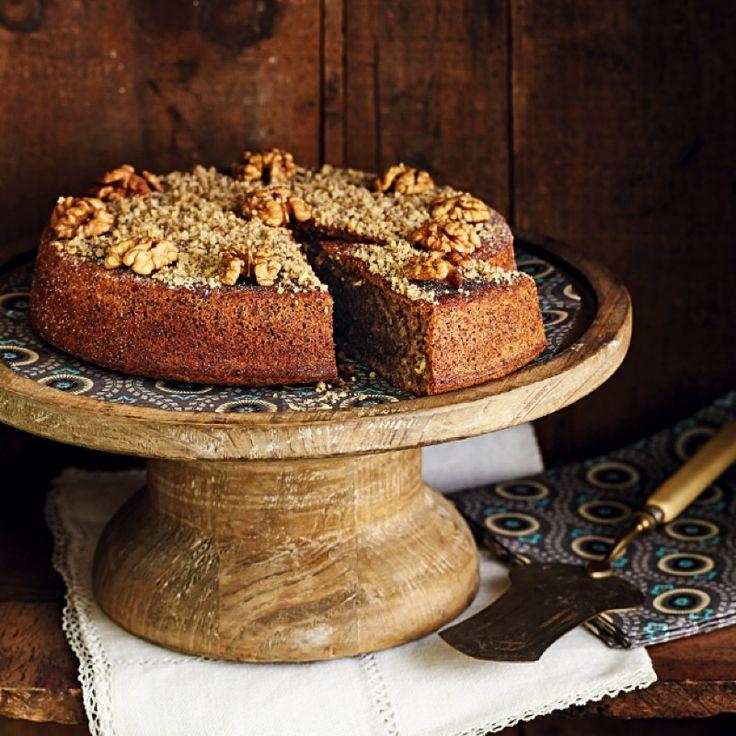 Bienvenue dans le Périgord où la noix tient une place de choix dans la généreuse gastronomie locale. Découvrez la recette du gâteau périgourdin.