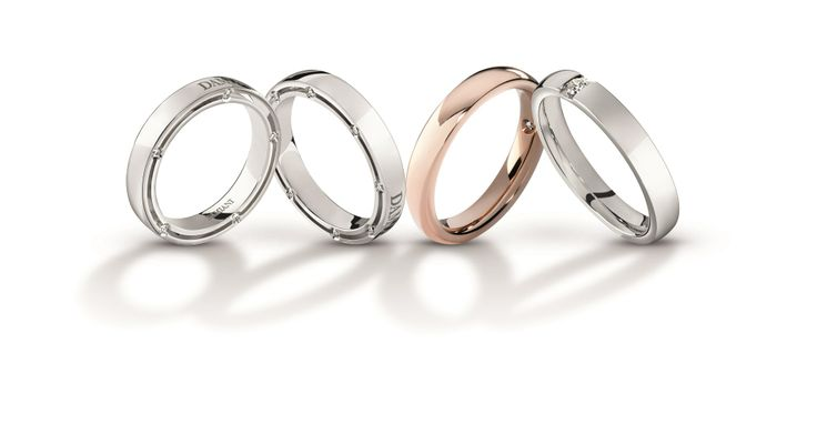 Damiani wedding bands, testimony of everlasting love. Together, the bride and the groom choose the precious jewel to be worn for their entire life, symbolizing their loyalty to each other, the love that binds them and the direction they have chosen to take together.