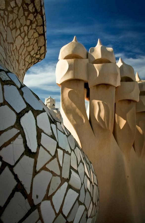 Casa Milà ('La Pedrera') | Architect Antoni Gaudí | Barcelona | Catalonia (photo: Jonathan Hansen)