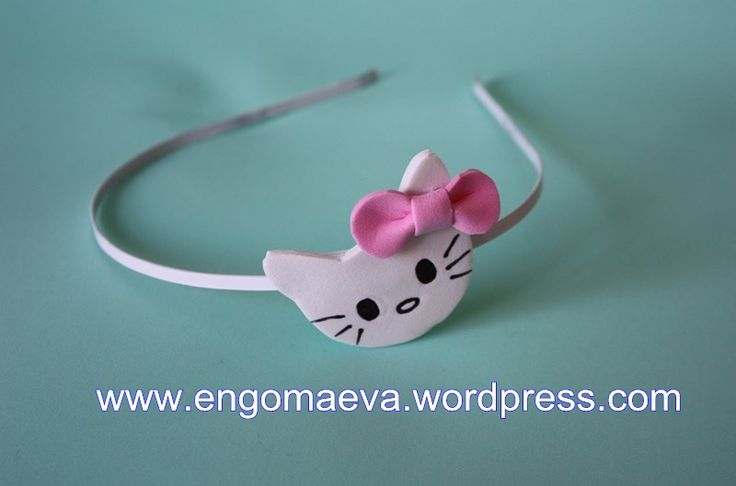 Headbands Hello Kitty made with craft foam (foamy).A cute and sweet!! Contact:engomaeva@gmail.com Diademas Hello Kitty hechas con goma eva (foamy). Un  regalo lindo y dulce. Contacto:engomaeva@gmail.com