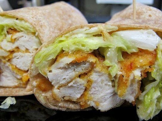 Recette+de+wrap+de+poulet+pané,+cajun,+bacon+et+pignons+de+pin+(Louisiane,+Etats-Unis)