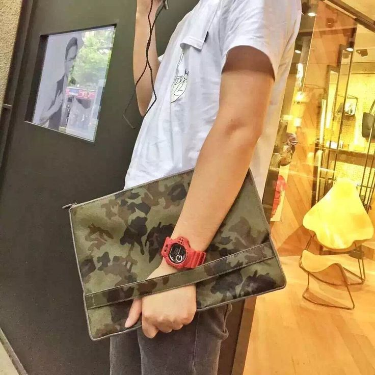 Pony-hair Camouflage Clutch:Designed by TINY RED CARPES