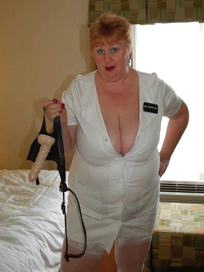 how to serve a dominatrix