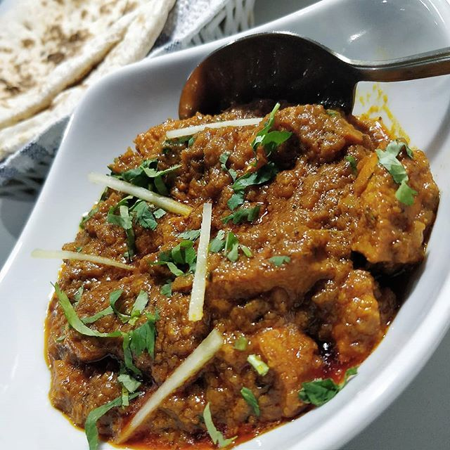 To My Surprise Hajis Blackburn Delivered Very Well When We Tucked In To Their Curries This Chicken Karahi Tasted Just Like Halal Recipes Chicken Karahi Food