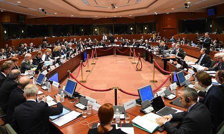 29日、ブリュッセルで開かれた欧州連合(EU)外相理事会(AFP=時事) ▼30Jan2015時事通信|対ロ制裁延長で合意=拡大、追加も準備-EU外相理 http://www.jiji.com/jc/zc?k=201501/2015013000134