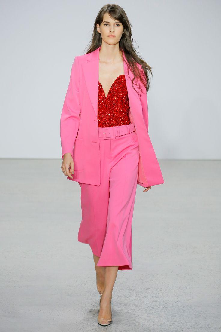 Oscar de la Renta Spring 2018 Ready-to-Wear Undefined Photos - Vogue