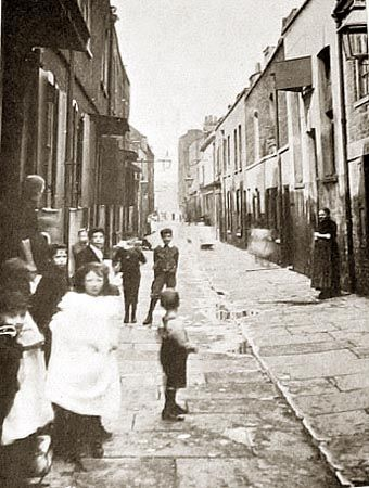 Part of slums in Prusom street wapping before development