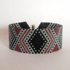 Bracelet rouge et noir tissage peyote en perles miyuki