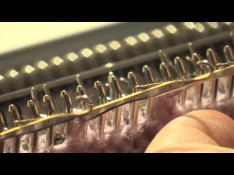 ▶ Переплетение косы на одной фонтуре - YouTube