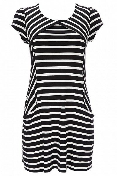 This black and white stripe petite tunic could worn by #Twiggy ;)