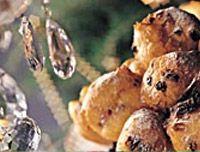 #Recept: Oliebollen met appels abrikozen en rozijnen http://ift.tt/2iBdeBc #Gebak-taarten-koekjes-brood