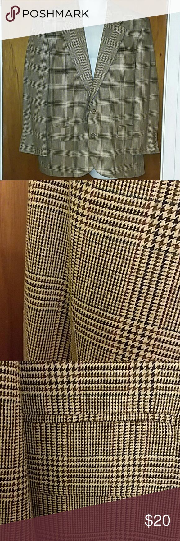 Brown Tweed Sport Coat 42R by Oscar de la Renta Vintage brown tweed sport coat in size 42R by Oscar de la Renta. The first photo does not represent the color well. Subsequent photos show the color and the pattern very well. Sleeve length 22 1/2 inches. The hem has been repaired. Otherwise in excellent condition. Oscar de la Renta Suits & Blazers Sport Coats & Blazers