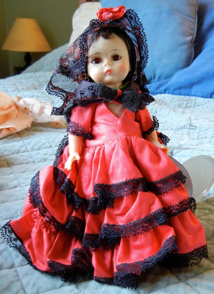 Madame Alexander Dolls of the World  SPAIN