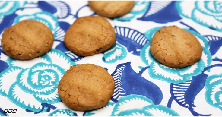 5 ingredient peanut butter protein cookies (FYI hemp protein powder makes them a little darker/greener than the pic)