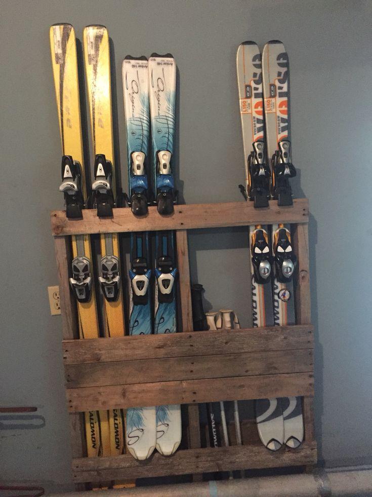 Wood pallet ski holder