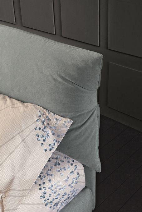BRAVO DAN headboard detail. Soft design! http://www.oggioni.com/news.asp