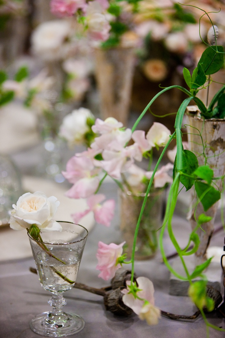 Sweet Peas In A Table Decoration For Your Pea Perfect Summer Wedding New Covent Garden Flower Market Flowers Pinterest