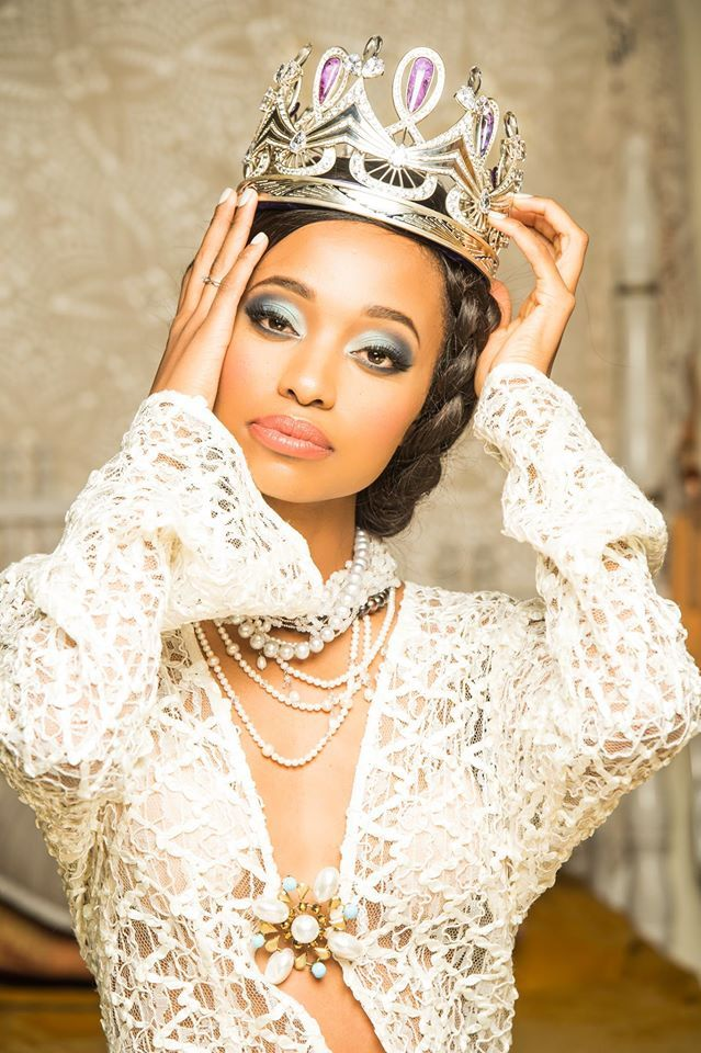 Some classic images from our gorgeous #MissSA2016's first official photoshoot.We love how strong and proud our Miss South Africa Ntandoyenkosi Kunene carries herself, all while upholding strong and proud morals. Jack Friedman supplied the jewellery. Photographer: Kevin Mark Pass - Photographer Styling: Noreen Kajee Vareta Shoes: Europa Art Shoes