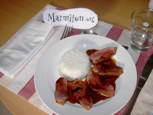 Magret de canard épicé à l'orange - Recette de cuisine Marmiton : une recette