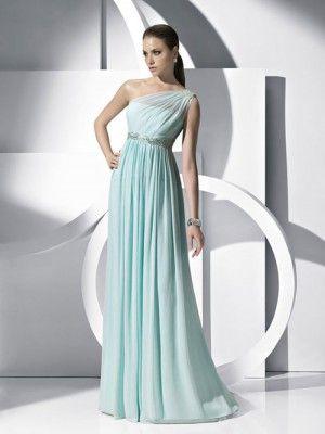 azul cielo, falda plisada, escote asimétrico