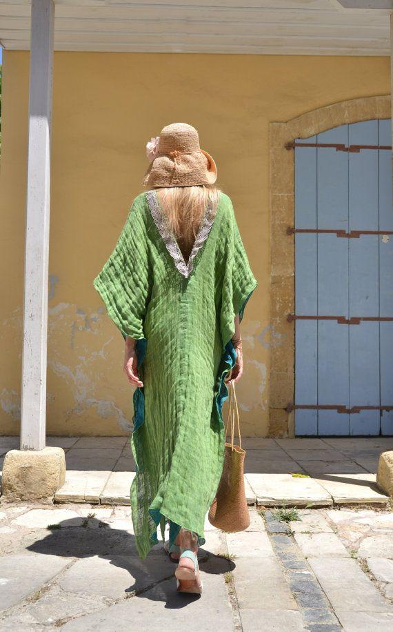 CLEO. Encubrimiento de túnica larga luminosas de color menta.