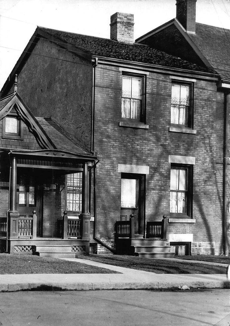 mary pickford's birthplace 211 University Avenue, Toronto, Canada