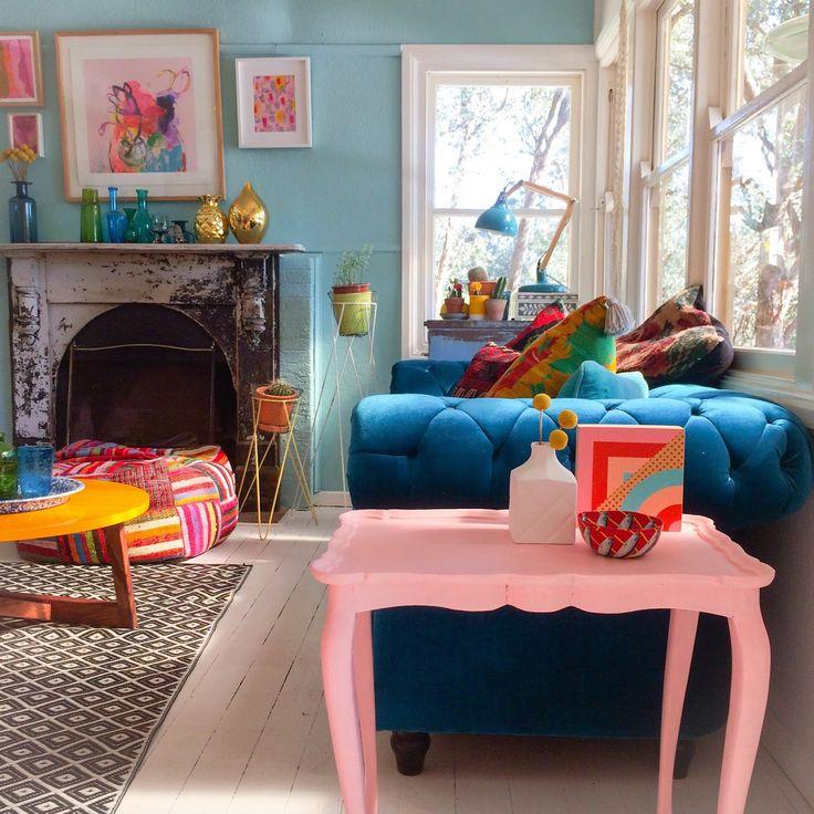 Stunning Pastel Pink Side Table #sidetabledesign Colorful Design  #redsidetables Modern Living Room #livingroomdesign