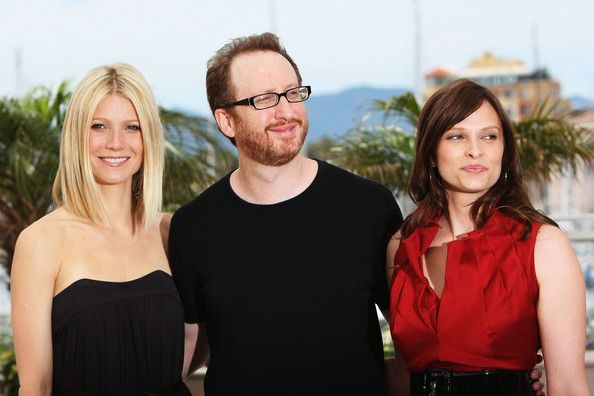 James Gray and Vinessa Shaw Photos  - Cannes 2008: 'Two Lovers' - Photocall - Zimbio