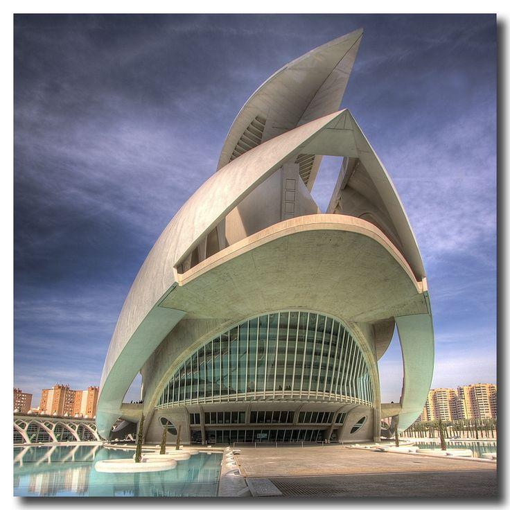 Opera de Valencia, de Santiago Calatrava. #architecture #calatravas