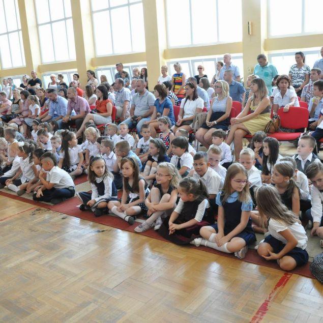 Pierwszy dzwonek dla 756 uczniów