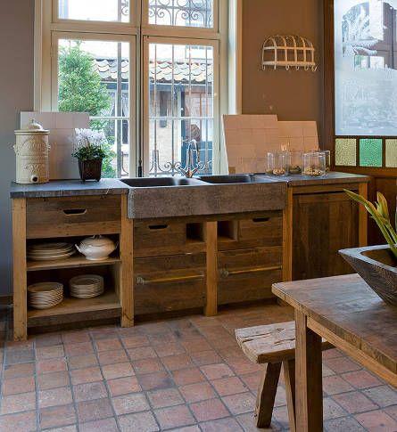 Achterhuis.nl | Eiken keukenblok met Belgisch hardstenen pompbak