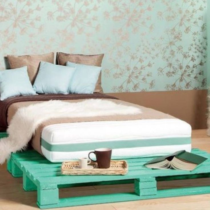 1000 id es sur le th me lit en bois de palettes sur pinterest pallet bed frames meubles en. Black Bedroom Furniture Sets. Home Design Ideas