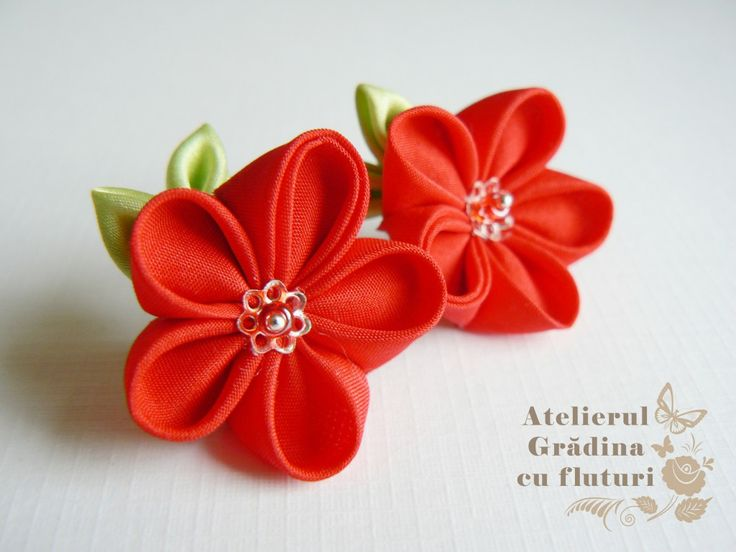 Red cherry flower earrings with tiny leaves - made of silk.    Cercei cu flori roşii şi frunze din mătase.
