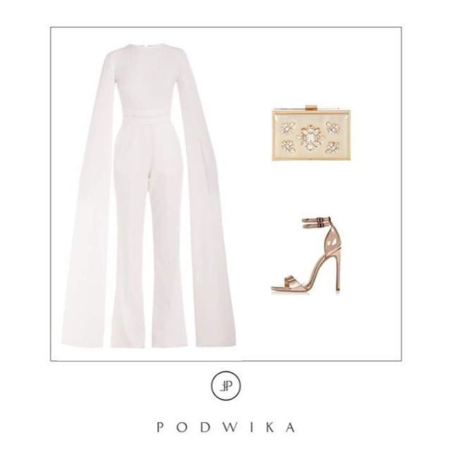 White elegance by @podwikaofficial ⭐️shop now at @mostrami.pl #podwika #fashion #fashiondesigner #polishdesigner #whiteelegance #elegantoutfit #mostrami #mostrami_pl #elegant #classy #newcollection #twofaces
