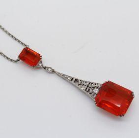 art deco collar y pendiente de oro blanco ópalo rojo y diamantes