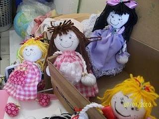 Violetas Rendadas: Ensinando a montar a Boneca de Fuxicos