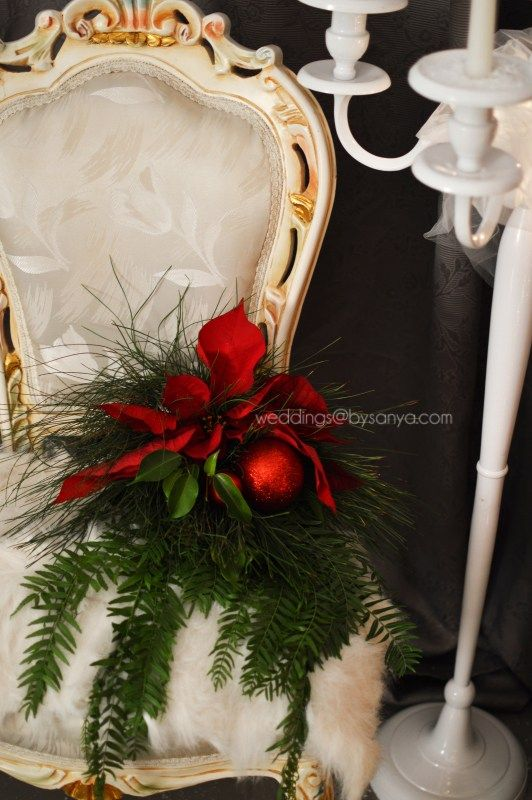 Are you also Crazy for everything Christmas? Well then, this Christmas decoration inspired shoot is just what you need to get your creativity flowing! If December and Christmas time is your favorite time of the year, you do not want to miss this inspirational shoot. Even, if you are not getting married and you just want to set up a fancy dinner at your house, take a look at this setup and steal these ideas which the team came up with, only for you. #Christmas #wedding