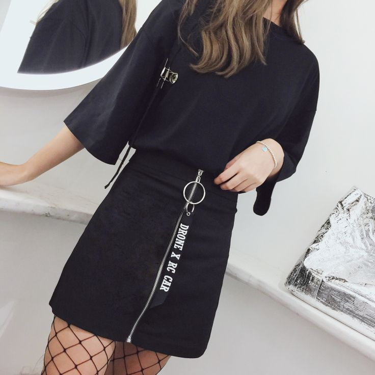 Todays Fashion Skirt on The Demon's Chest.Harajuku Hoop Zipper Skirt Black Street Fashion Midskirt Dc445 Alternatively stay bang up to date with the latest retro-look , adding 80's style glamour with a 24st Century twist.