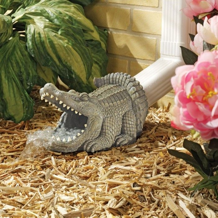 17 best images about gutter whoo hoo on pinterest white for Alligator lawn decoration