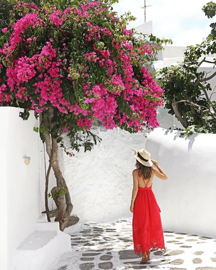 Photowalk around Mykonos Greek Island. Nice meeting you @val.olivier & @jayspiel! ## Photo by Kenny Kim Photography  2017 - http://www.kennykim.com  #kennykimphotography