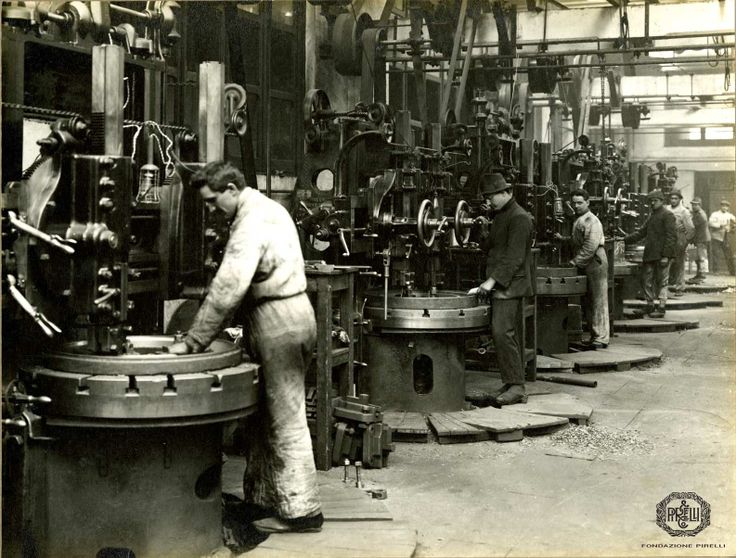 Pirelli workers,  Milan Bicocca factory, 1922 http://www.fondazionepirelli.org