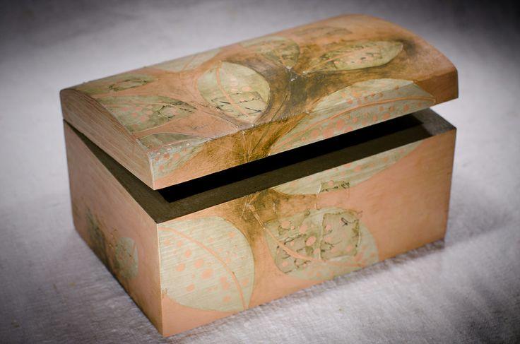 Cufaras din lemn pentru bijuterii
