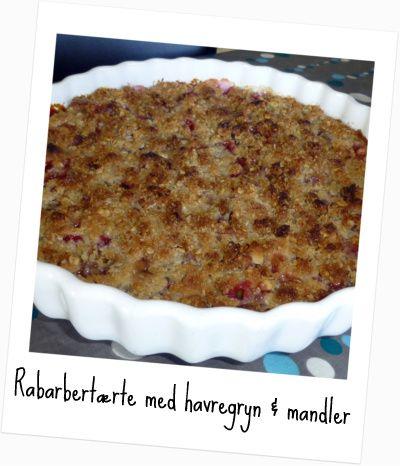 Smagen af sommer #9: Rabarbertærte med havregryn og mandler – Storbyfarmen.dk
